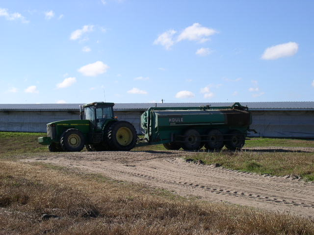 Picture of tractor and tanker spreader